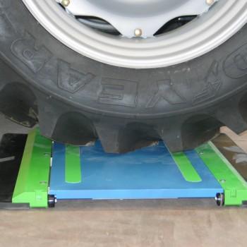 Radlastwaage Set mit 2 Wiegeplatten à 10t und Anzeige